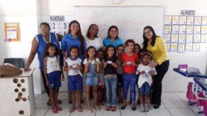 SAÚDE E EDUCAÇÃO: Saúde vai até as escolas beneficiando alunos e professores